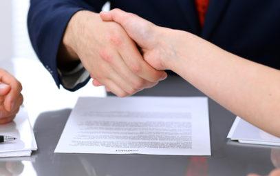 toma-nota-no-lo-olvides-las-clausulas-incluir-contrato-franquicia